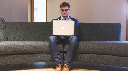 Man-laptop_pixabay